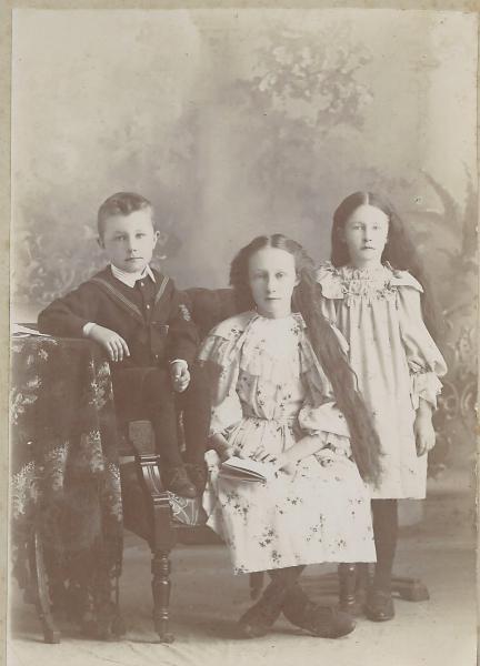 Brock, Clara, and Olive Philp c. 1898-1899